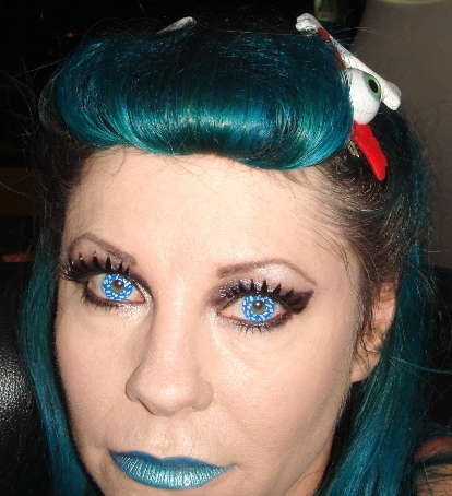 rolled fringe on blue hair