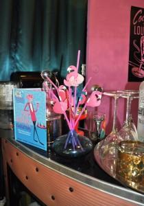 Leopard Lounge pink flamingos