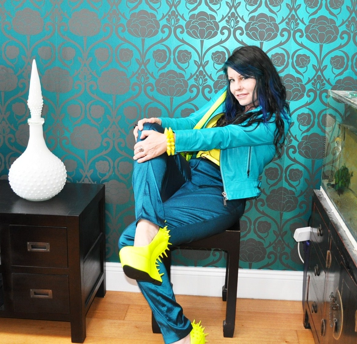 teal ASOS outfit yellow shoes
