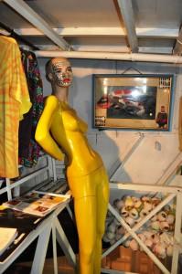 ilil kitakore mannequin