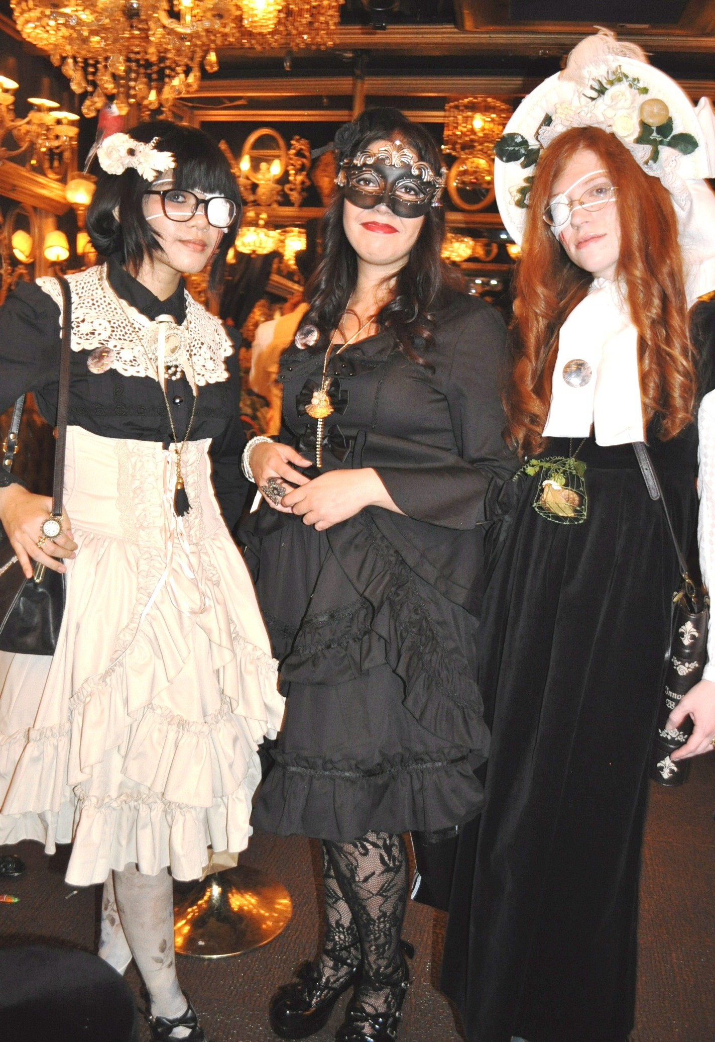 Lolitas at Abilletage Halloween 2012
